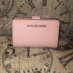 Price is NOT Firm-Michael Kors JETSETTRAVEL Wallet